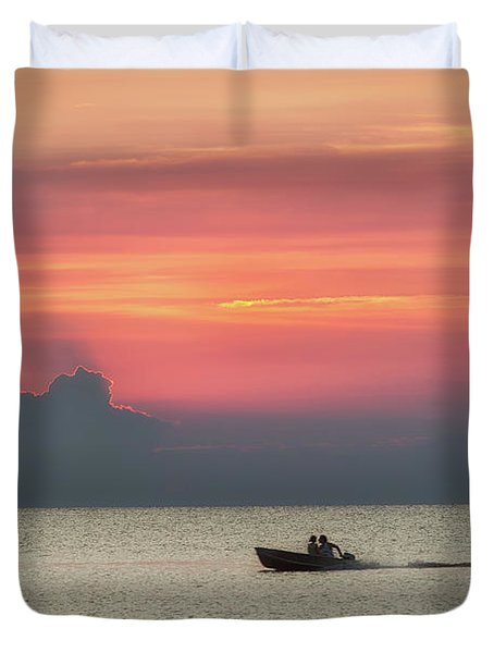 Silhouette's Sailing Into Sunset Duvet Cover