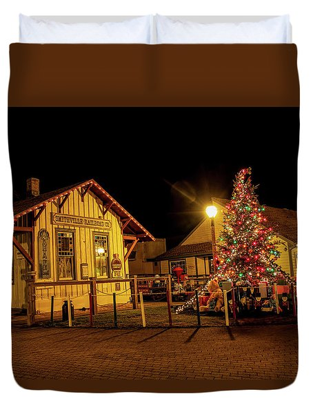 Duvet Cover featuring the photograph Smithville Railroad Christmas Tree by Kristia Adams