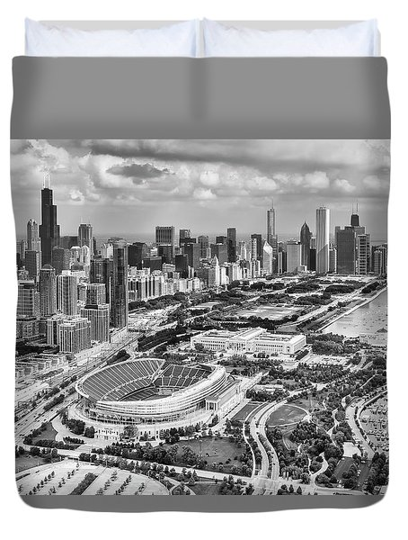 Soldier Field And Chicago Skyline Black And White Duvet Cover