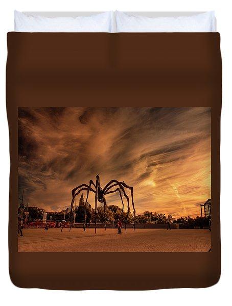 Spider Maman - Ottawa Duvet Cover