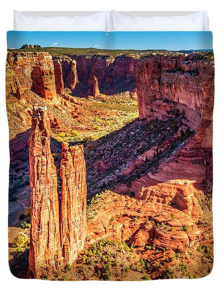 Duvet Cover featuring the photograph Spider Rock by Andy Crawford