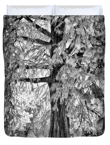 Standing Tall Old Tree - I R Duvet Cover