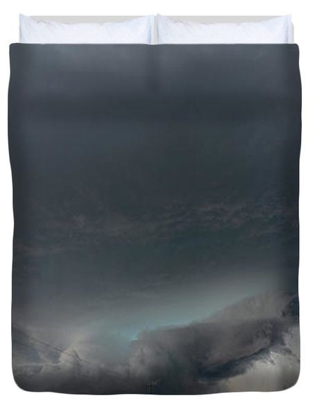 Storm Chasin In Nader Alley 008 Duvet Cover