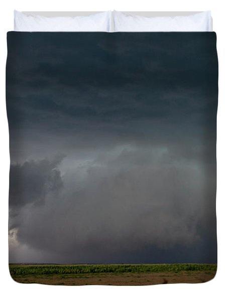 Storm Chasin In Nader Alley 030 Duvet Cover