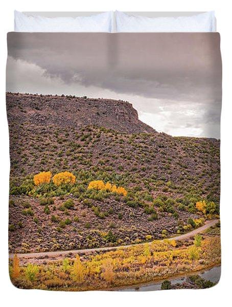 Stormy Skies Over The Rio Grande Del Norte At Orilla Verde - Taos County New Mexico Duvet Cover