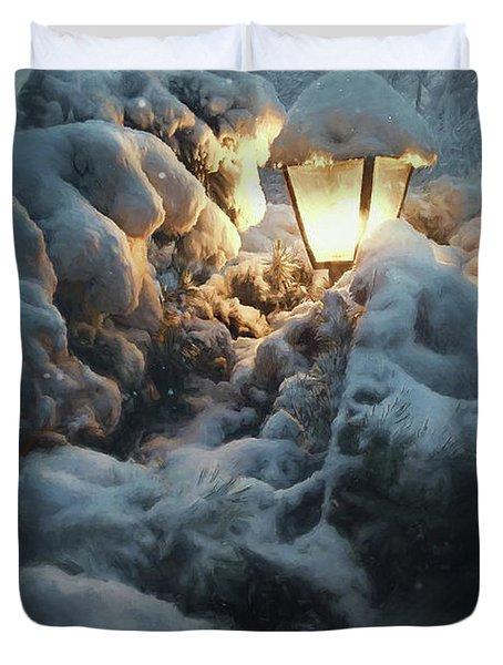 Streetlamp In The Snow Duvet Cover