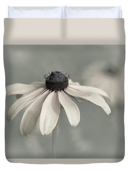 Duvet Cover featuring the photograph Subtle Glimpse by Dale Kincaid