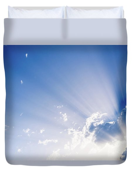 Sunbeams Rising From A Large Cloud In Intense Blue Sky On A Summer Afternoon Duvet Cover
