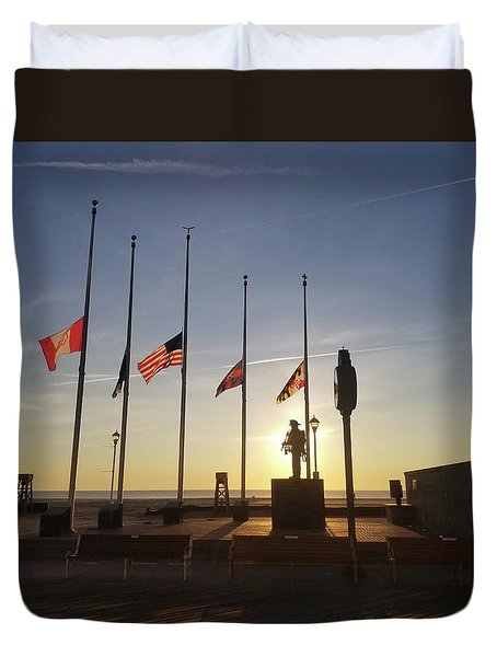 Duvet Cover featuring the photograph Sunrise At Firefighter Memorial by Robert Banach