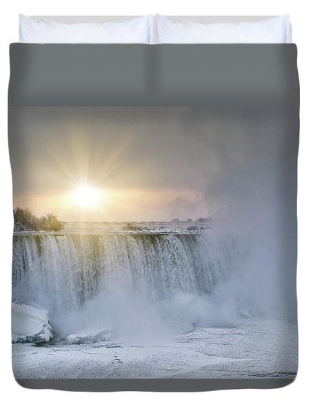 Sunrise In Niagara Falls Duvet Cover