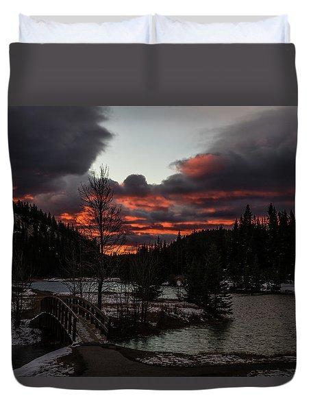 Sunrise Over Cascade Ponds, Banff National Park, Alberta, Canada Duvet Cover