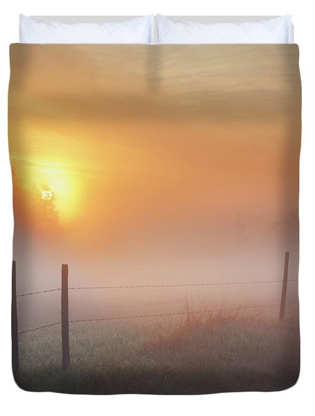 Sunrise Over Morning Pasture Duvet Cover