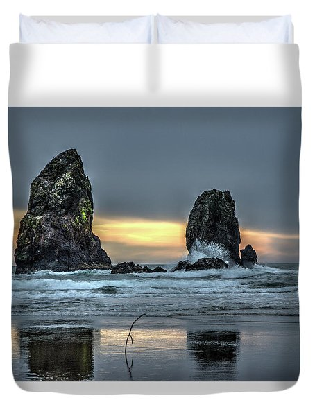 Sunset At The Canon Beach Duvet Cover