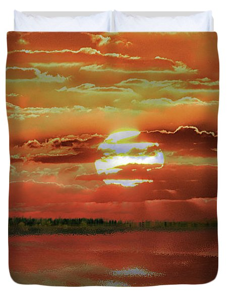 Duvet Cover featuring the photograph Sunset Lake by Bill Swartwout Fine Art Photography