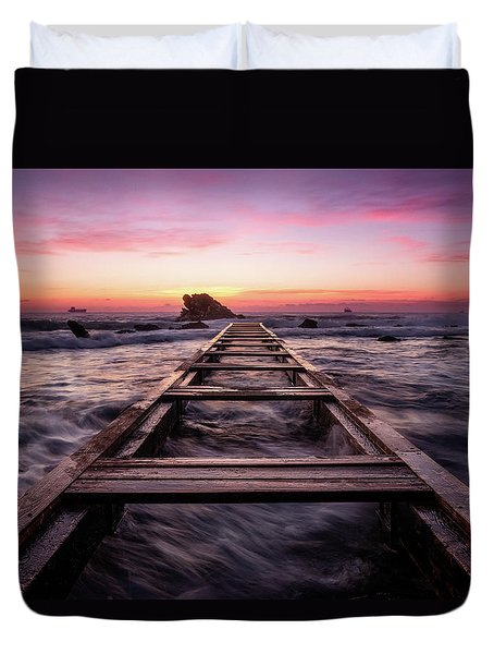 Sunset Shining Over A Wooden Pier In Livorno, Tuscany Duvet Cover