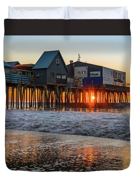 Duvet Cover featuring the photograph Sunstar At Pier Patio Old Orchard Beach by Dan Sproul