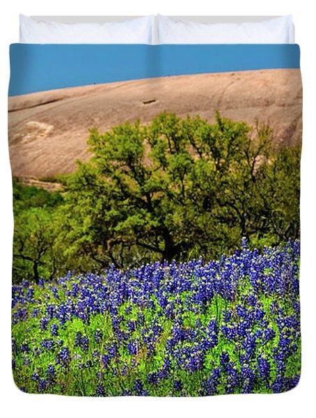 Texas Bluebonnets And Enchanted Rock 2016 Duvet Cover