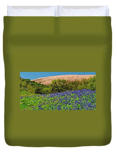 Texas Bluebonnets And Enchanted Rock 2016 Duvet Cover