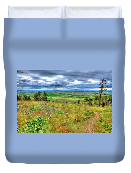 Duvet Cover featuring the photograph The Path Down Kamiak Butte by David Patterson