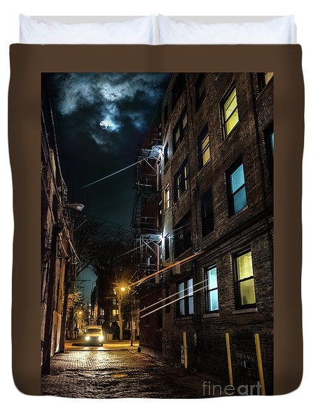 They Drive By Night In Chicago Duvet Cover
