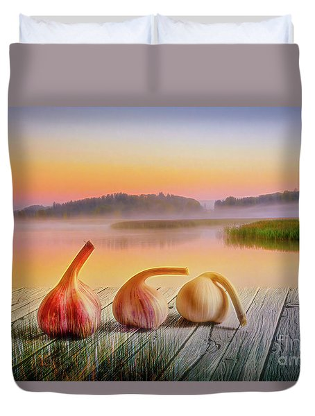 Three Carlic 2 Duvet Cover