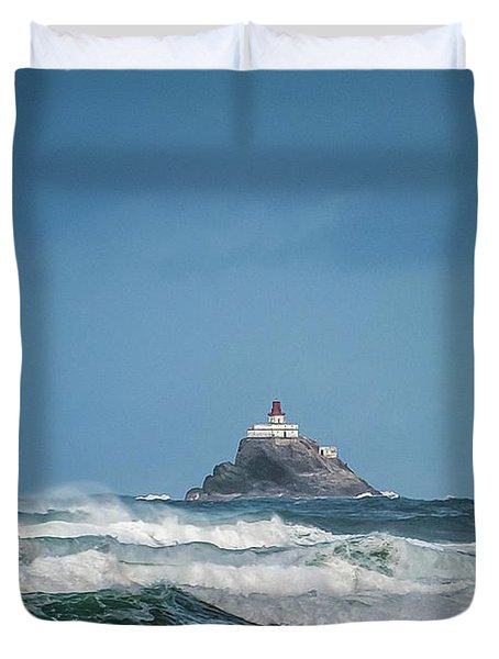 Tillamook Rock Lighthouse Near Cannon Beach Duvet Cover