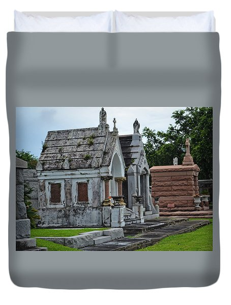 Tombs And Graves Duvet Cover