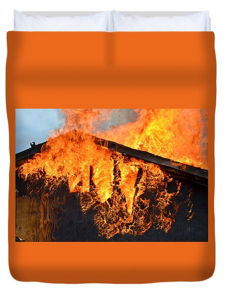 Duvet Cover featuring the photograph Too Hot by Carl Young