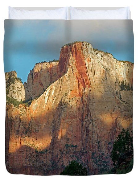 Towers Of The Virgin, Zion National Duvet Cover