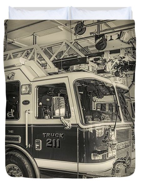 Truck And Engine 211 Duvet Cover