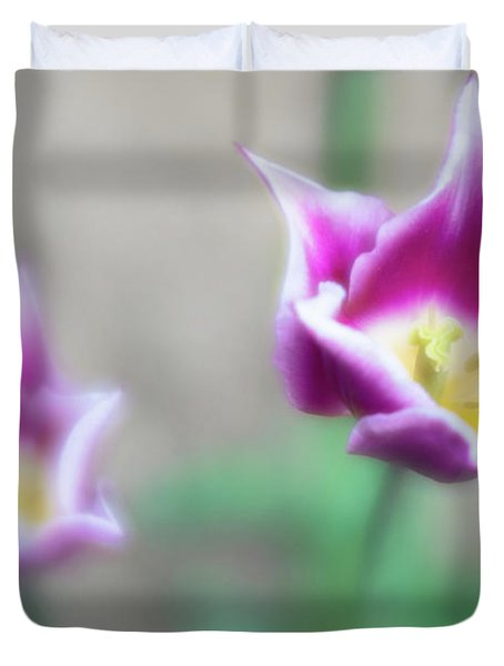 Two-tone Tulips Duvet Cover