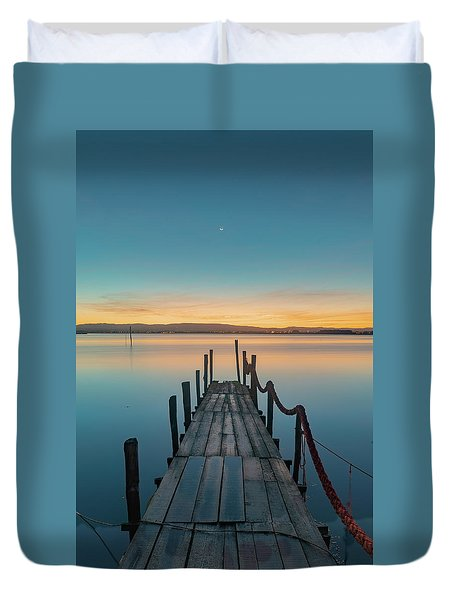 Duvet Cover featuring the photograph Walk Off by Bruno Rosa