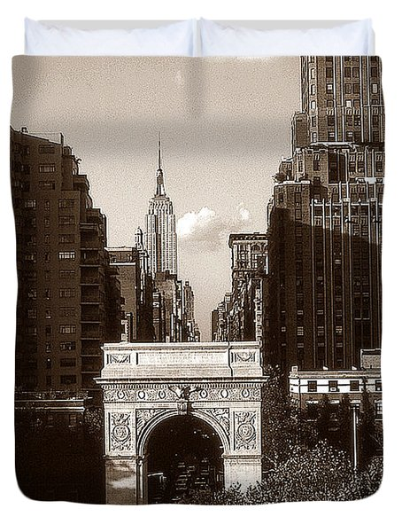 Washington Arch And New York University - Vintage Photo Art Duvet Cover