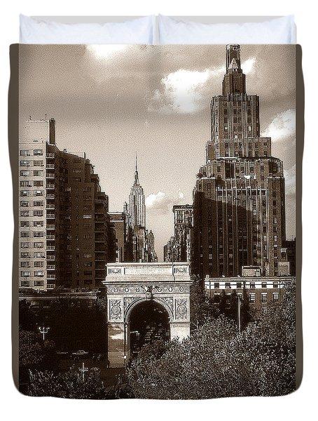 Washington Arch And New York University - Vintage Photo Art Duvet Cover