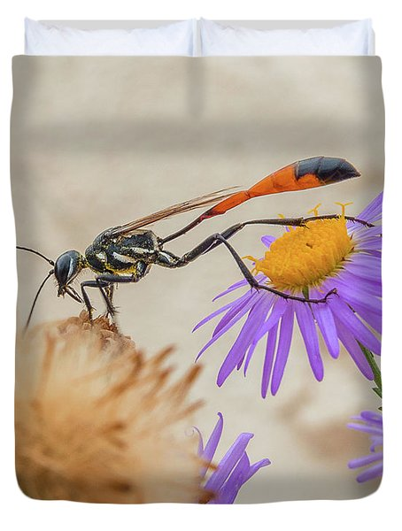 Wasp At White Sands Duvet Cover