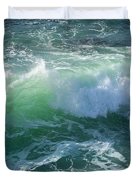 Wave At Montana De Oro Duvet Cover