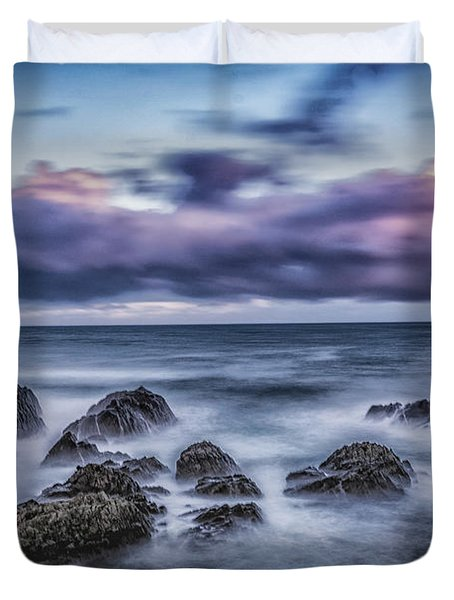 Waves At The Shore Duvet Cover