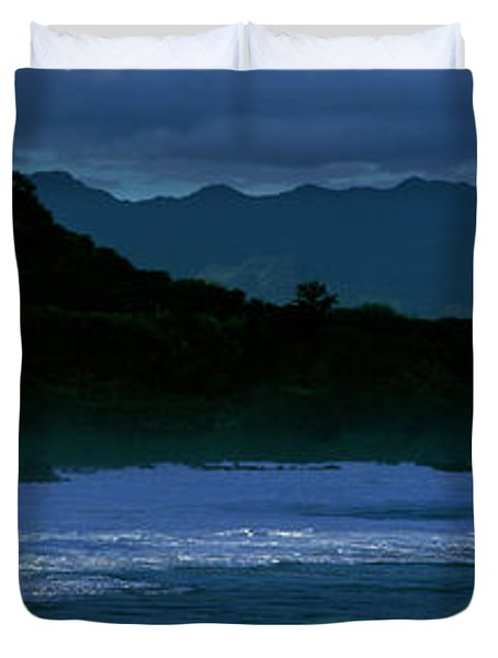 Waves In The Pacific Ocean, Waimea Bay Duvet Cover