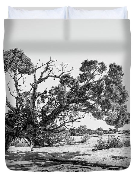 Duvet Cover featuring the photograph Will To Survive by Andy Crawford