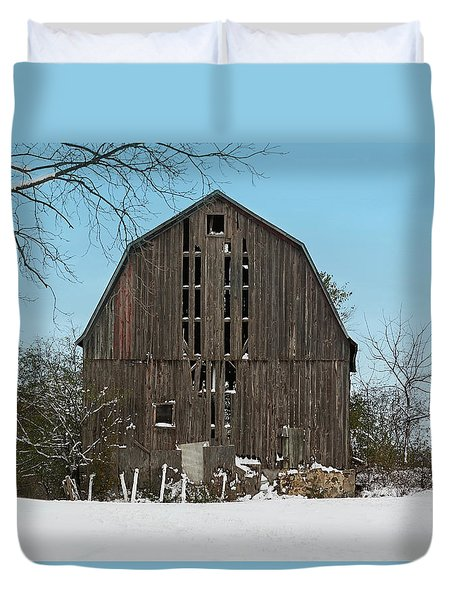 Duvet Cover featuring the photograph Wisconsin Barn by Kim Hojnacki