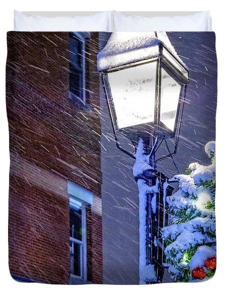 Wreath On A Lamp Post Duvet Cover