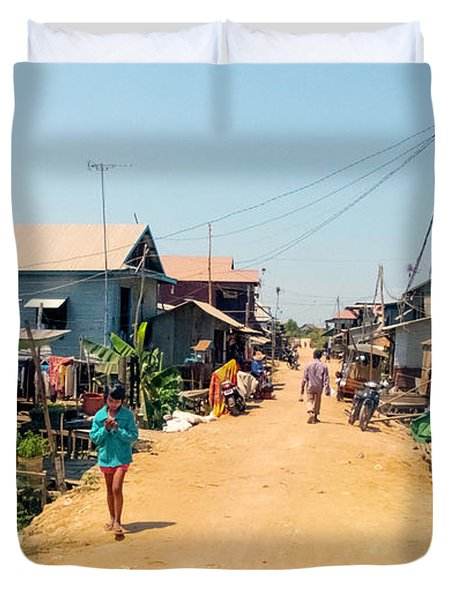 Young Girl - Houses On Stilts - Siem Reap, Cambodia Duvet Cover