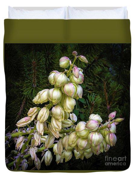 Yucca Portrait Duvet Cover