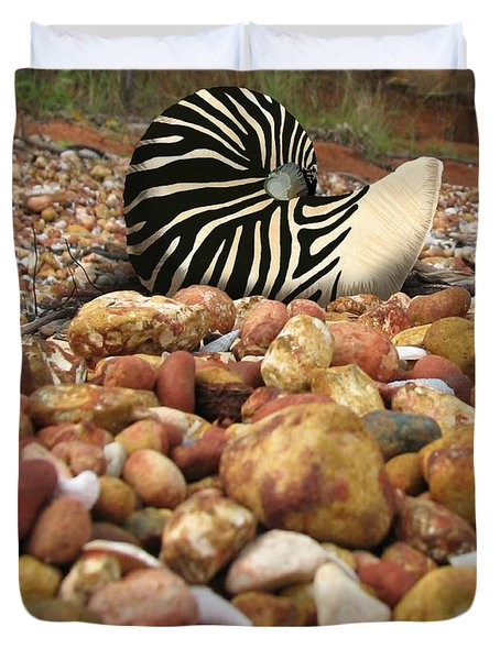 Zebra Nautilus Shell On Bauxite Beach Duvet Cover