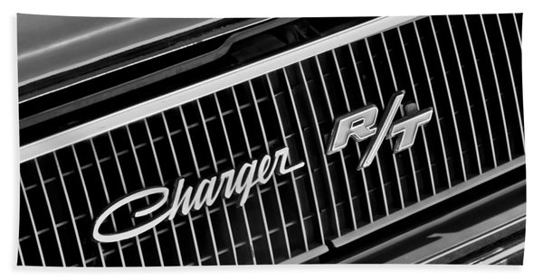 1968 Dodge Charger Rt Coupe 426 Hemi Upgrade Grille Emblem Hand Towel