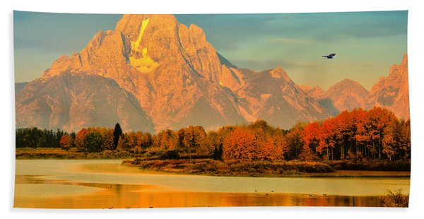 Bath Towel featuring the photograph Autumn Dawn At Oxbow Bend by Greg Norrell