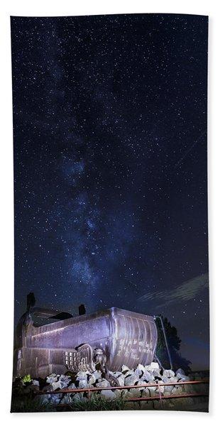 Big Muskie Bucket Milky Way And A Shooting Star Hand Towel