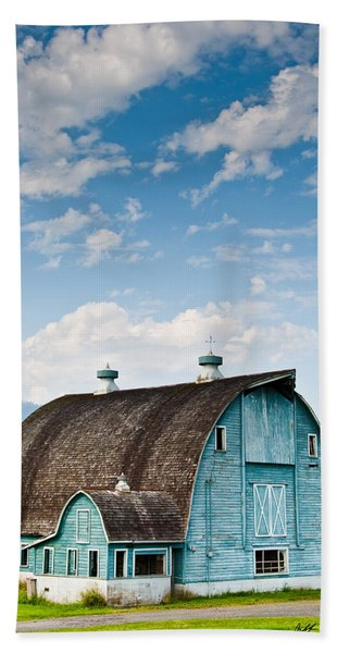 Blue Barn In The Stillaguamish Valley Hand Towel