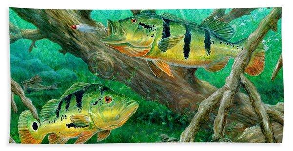 Catching Peacock Bass - Pavon Bath Towel