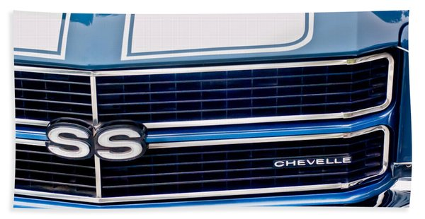 Hand Towel featuring the photograph Chevrolet Chevelle Ss Grille Emblem 2 by Jill Reger